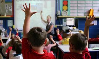 ΟΧΙ στη νομιμοποίηση της κυβερνητικής απάτης  περί «πλεονάζοντος» και «υπεράριθμου» εκπαιδευτικού προσωπικού.