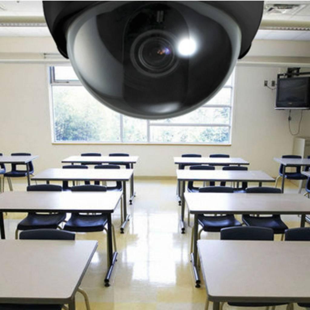 ΟΧΙ  στην  απαράδεκτη          (ν)τροπολογία για την on-line παρακολούθηση του μαθήματος! Να αποσυρθεί τώρα!